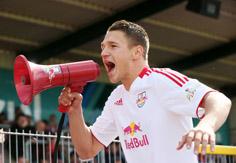 Daniel Frahn nach der geglückten Relegation
